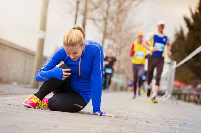 What are the most common injuries in a marathon?